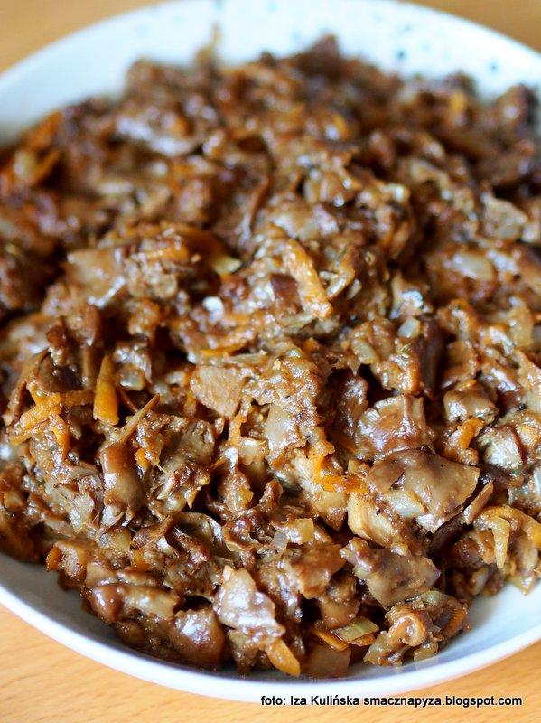 luszczaki zmienne, rydze, grzyby lesne, farsz grzybowy, nadzienie grzybowe, grzybki, miska grzybow, grzyby pasteryzowane, grzyby w sloikach