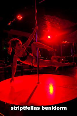 Baile erotico de las chicas bala en seb 2017 - 1 part 2