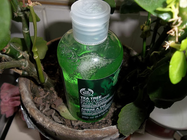 Nettoyant Purifiant Visage Arbre à Thé/Tea Tree - The Body Shop