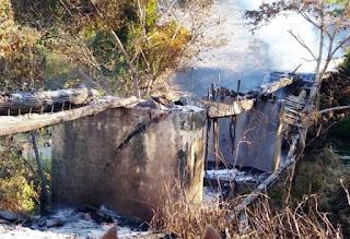 Incêndio destrói ponte