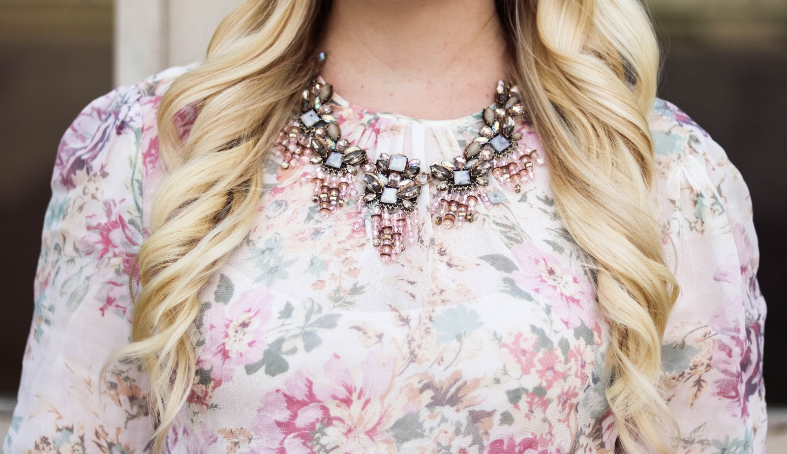 Elizabeth Hugen of Lizzie in Lace styles her BaubleBar statement necklace