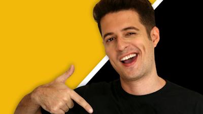 """Franklin Medrado, do canal """"Tipo Assim"""", estreia o espetáculo de humor """"Falando na Cara"""""""
