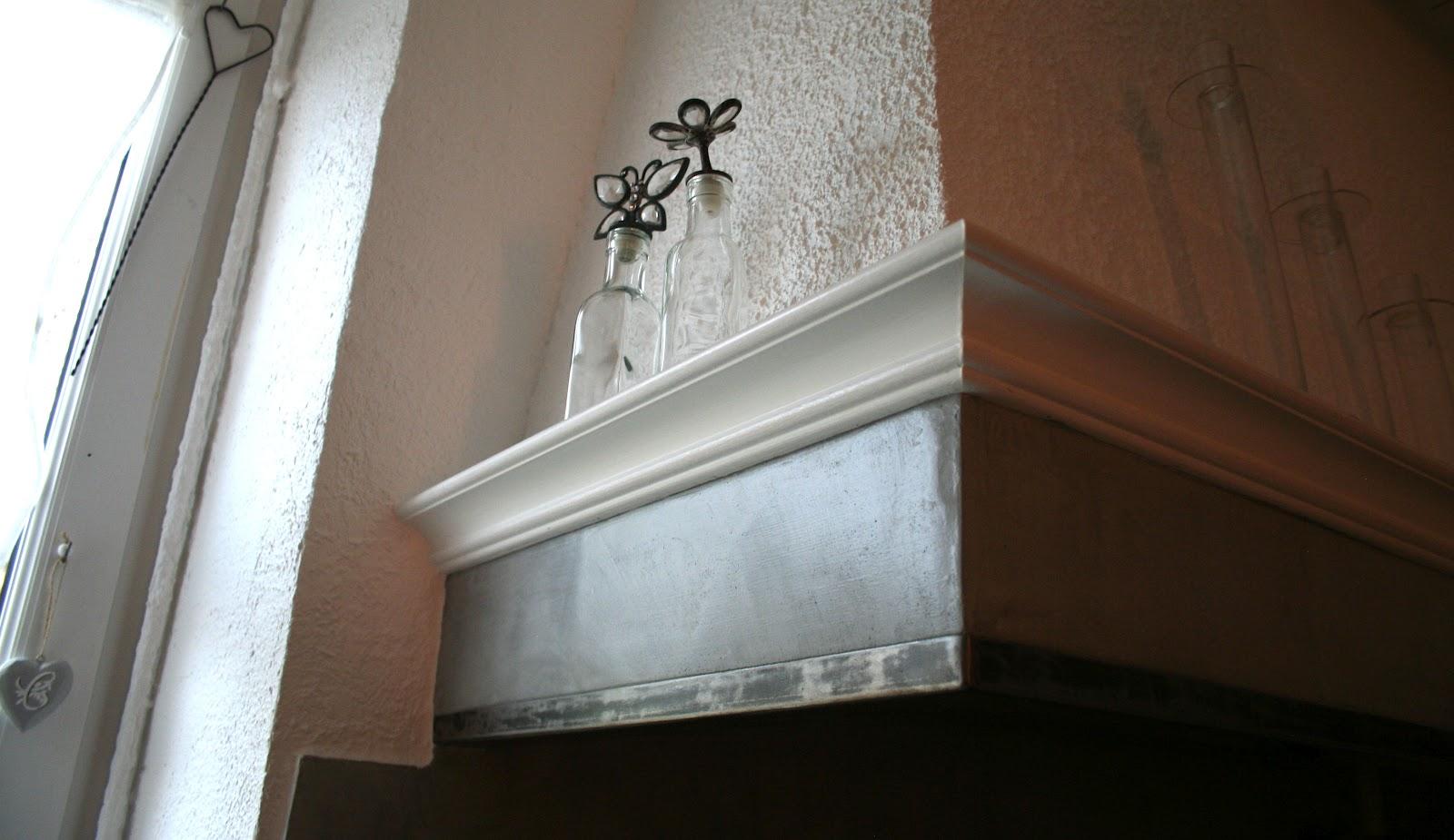 Ferronnerie m tallerie serrurerie 79 deux s vres l 39 art du - Peinture pour hotte de cheminee ...