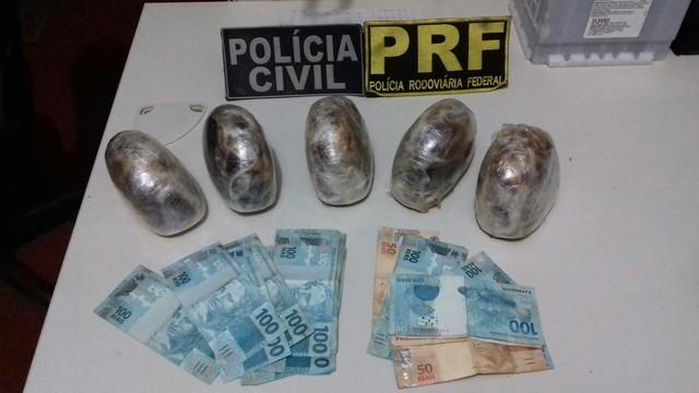 PRF prende suspeitos transportando drogas na BR 364