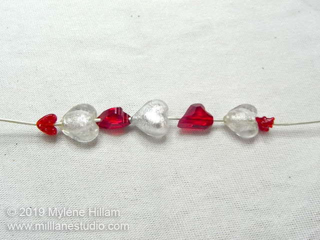 Stringing pattern for the heart beads