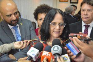 Damares Alves assegura investimentos para Sergipe