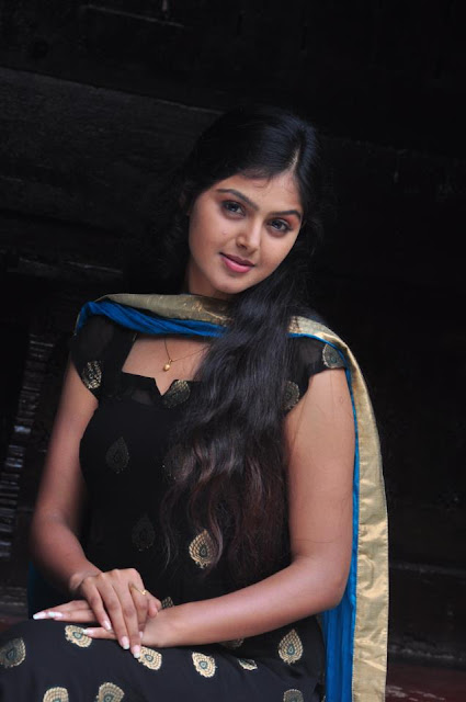 malayalam movie dracula heroine Meena