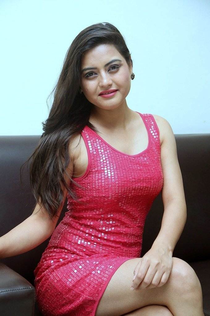 Telugu Model Shipra Gaur Thigh Show In Hot Mini Pink Dress