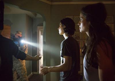 """Fear the Walking Dead 1x04 """"Not fade away"""""""