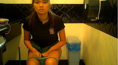 Asian Scandal Voyeur: Singapore female toilet 11