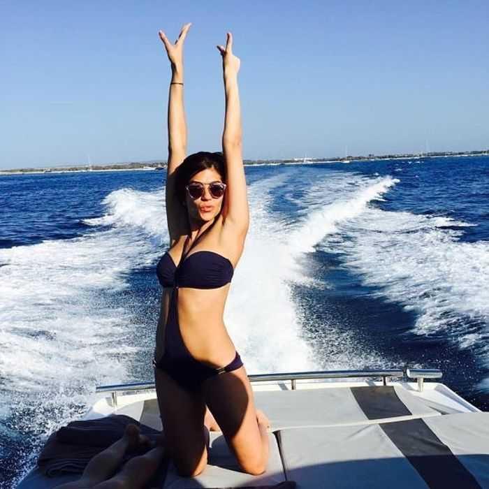 IPL Anchor Archana Sizzling In Bikini Photos