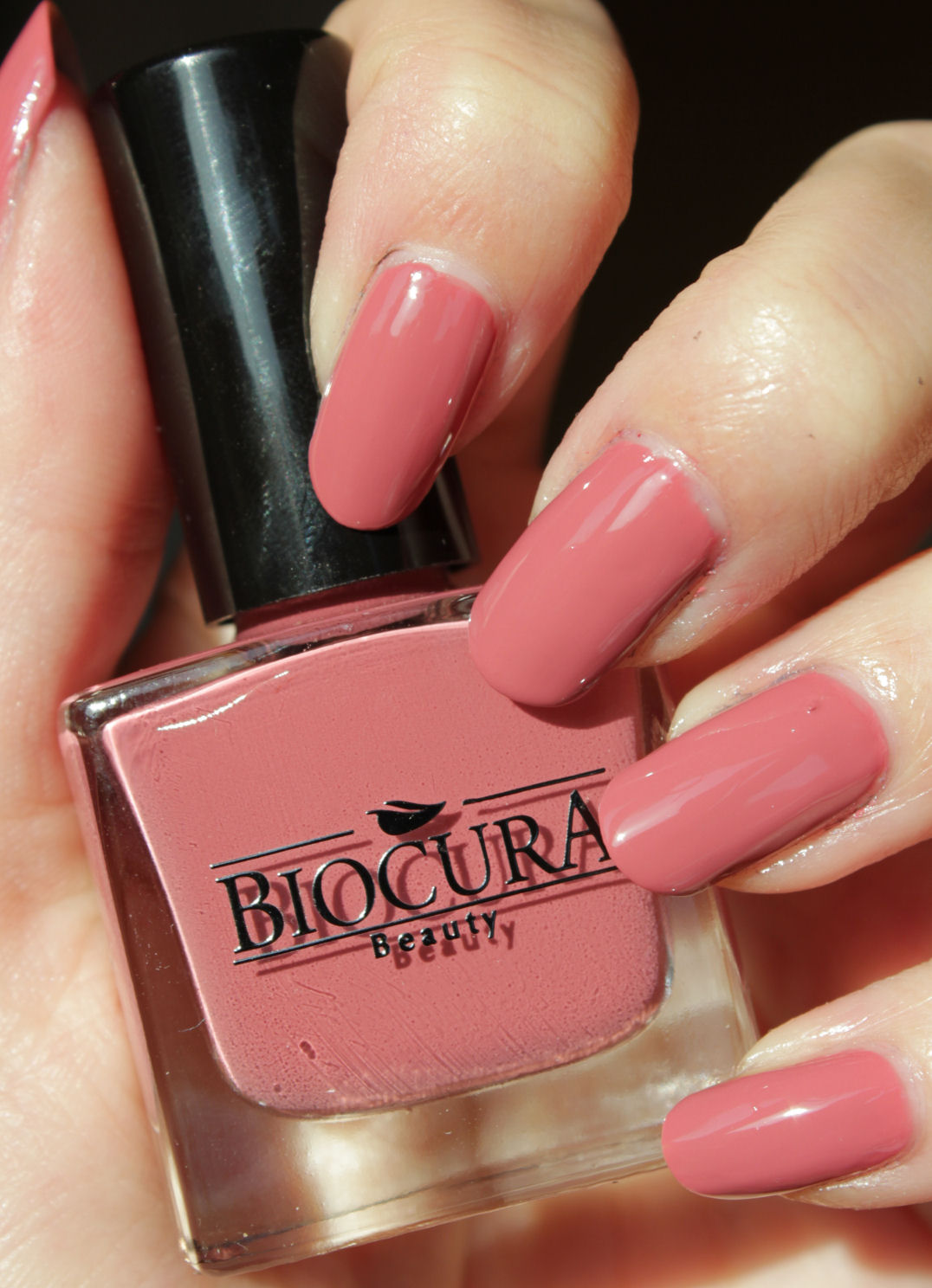 http://lacquediction.blogspot.de/2014/11/biocura-09-rose.html