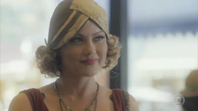 Marion deixa a história após conversa com Lola em Éramos Seis