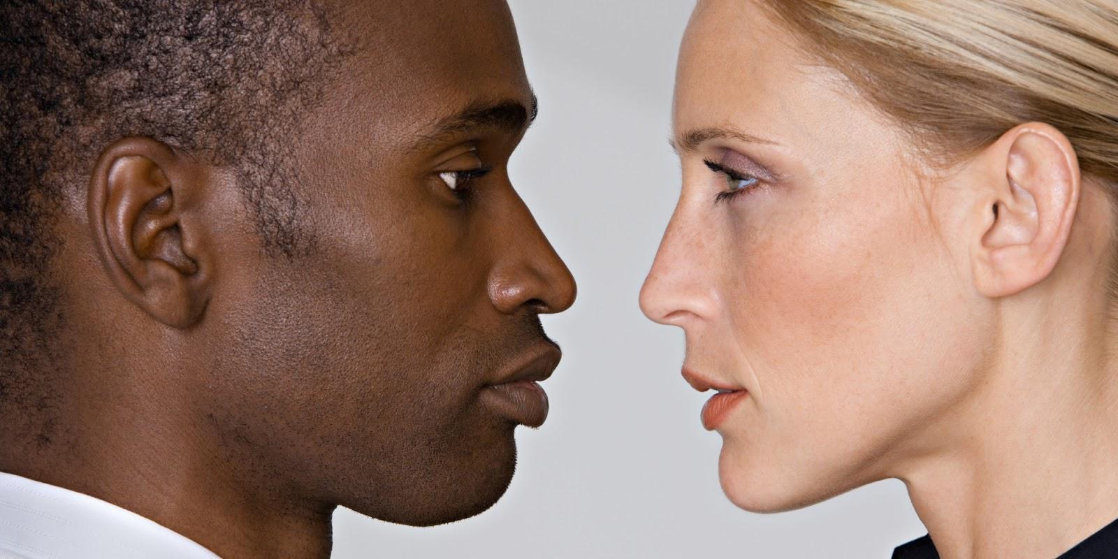 белая женщина и негр люди, которым