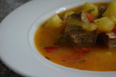 Яхния с телешко и зеленчуци