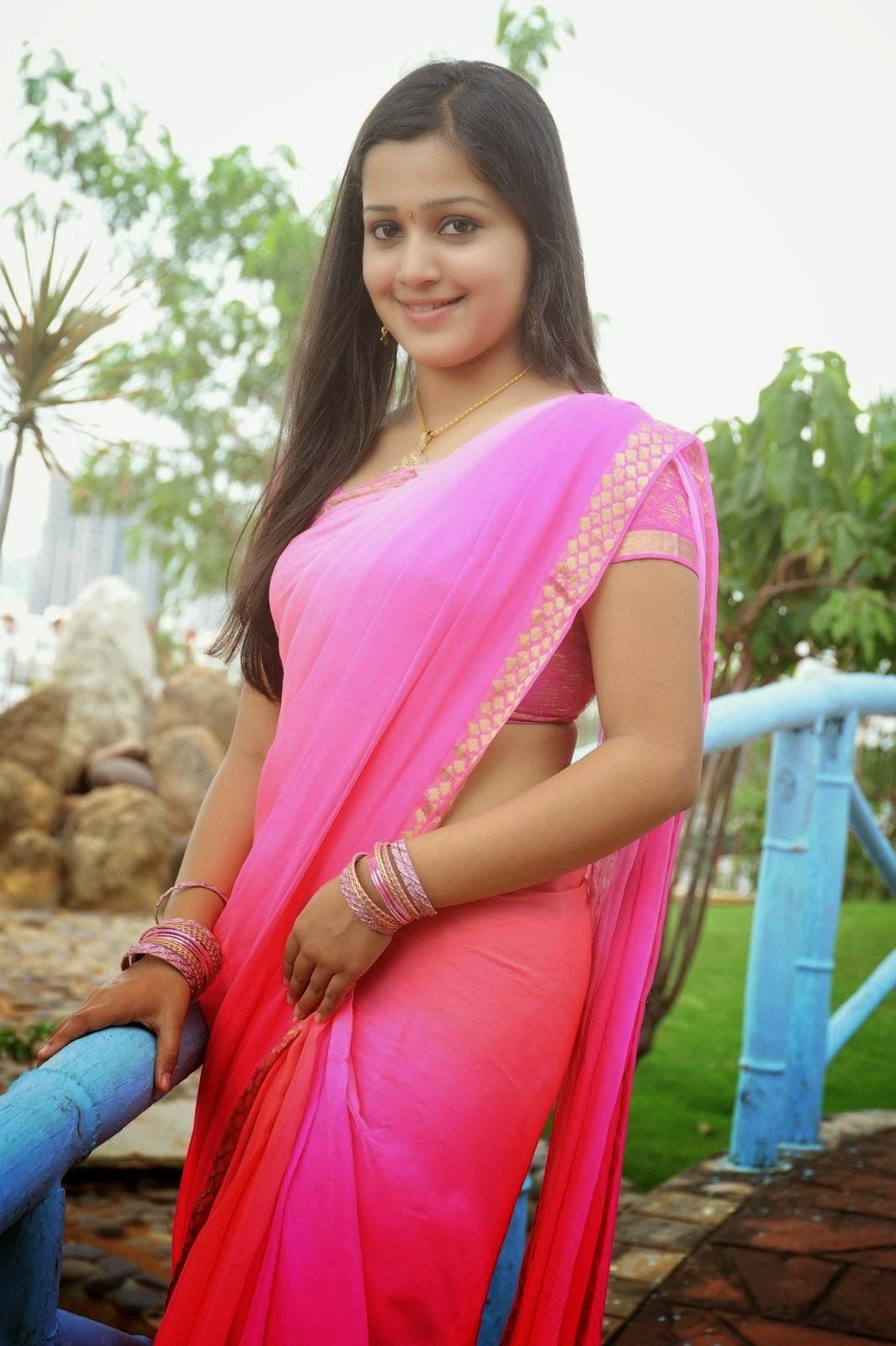 Indian Hot Actress Samskruthy Shenoy In Pink Saree