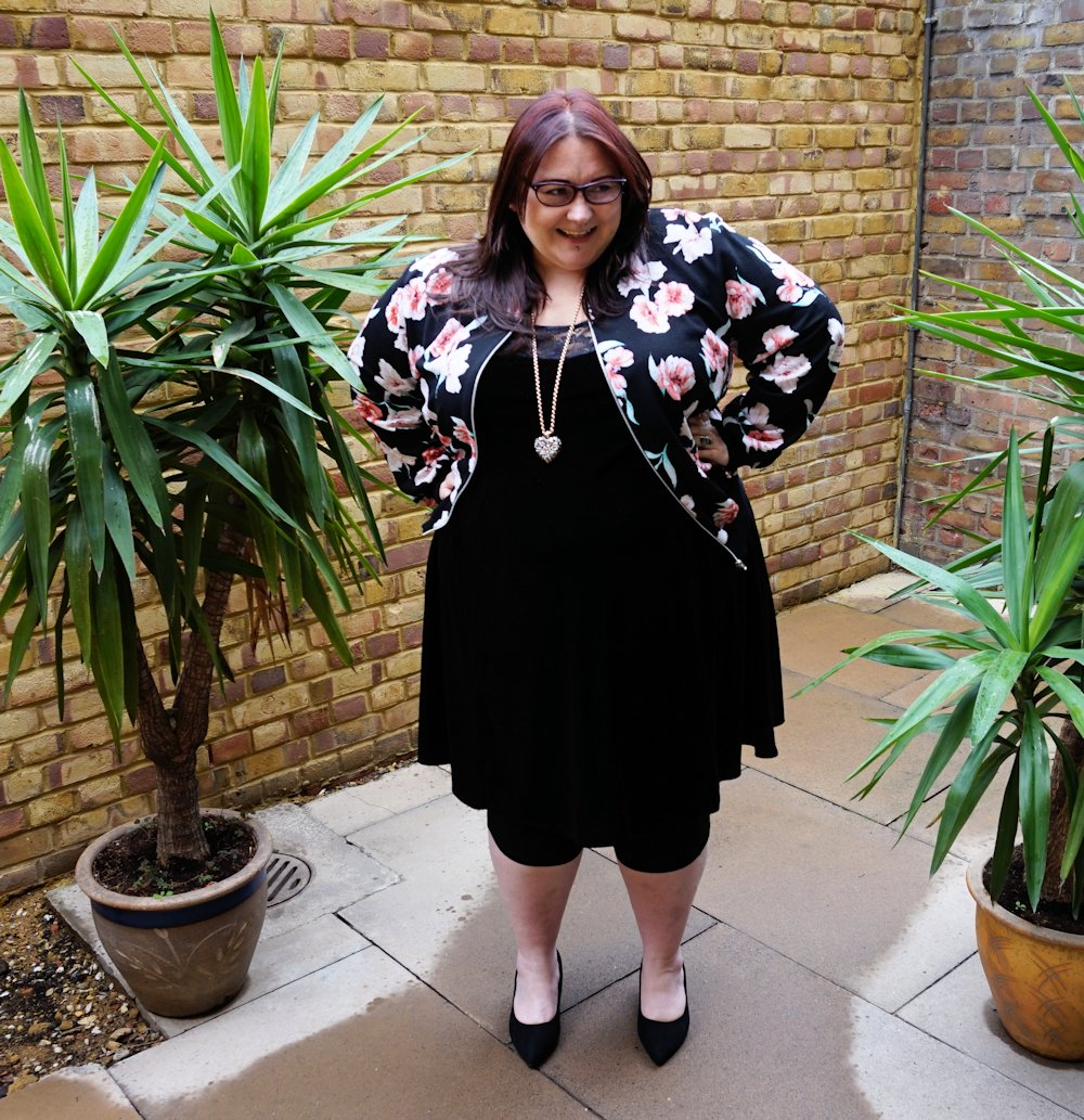 New Look Curves  Plus Size Black Floral Print Bomber Jacket