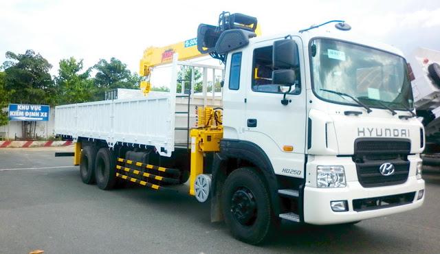 Xe tải Hyundai 14 tấn gắn cẩu tự hành