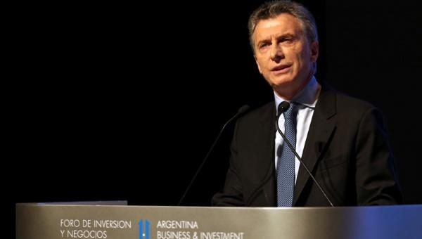 Macri admite incremento a 32,2 % de la pobreza con sus políticas