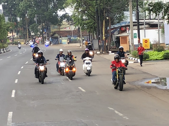 Melihat Lagi <i>Sunmori</i> Jokowi, Kok Lampu Depan Motornya Mati?