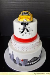 http://hudsoncakery.com/2011/05/nyc-checkered-taxi-wedding-cake/