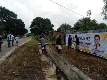 Beredar Video Orang Papua Ramai-Ramai Kibarkan Bendera PKS