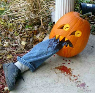 Pumpkin-Eating-Leg-Funny-Halloween-Picture