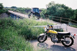 荒川 沈下橋
