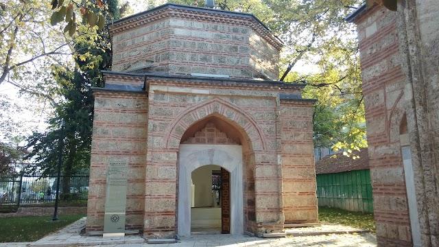 GULŞAH HATUN TÜRBESİ/MURADİYE KÜLLİYE'Sİ