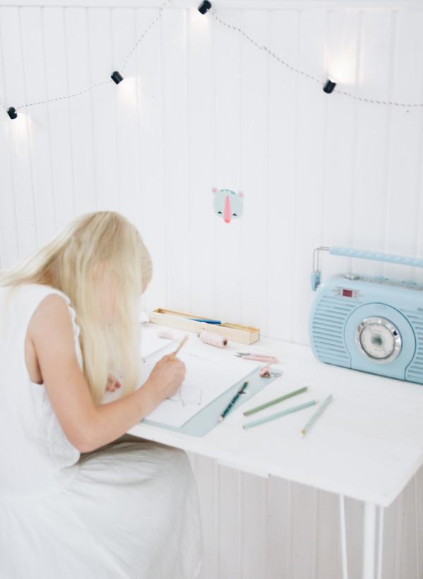 Beschäftigungsideen bei schlechtem Wetter: Das kostenlosen DIY Kinder Kreativ-Buch für die Ferien!