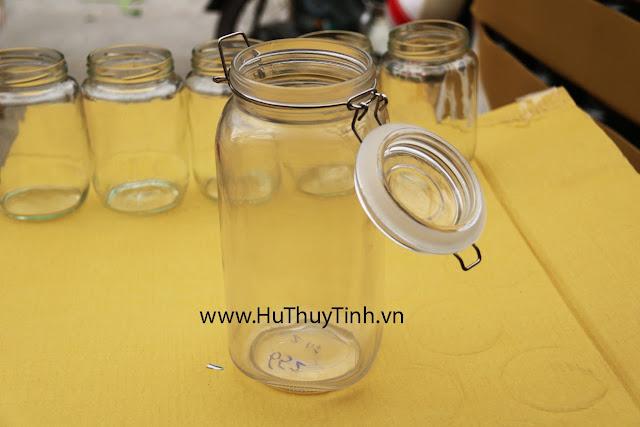 Binh thuy tinh vuong lock and lock