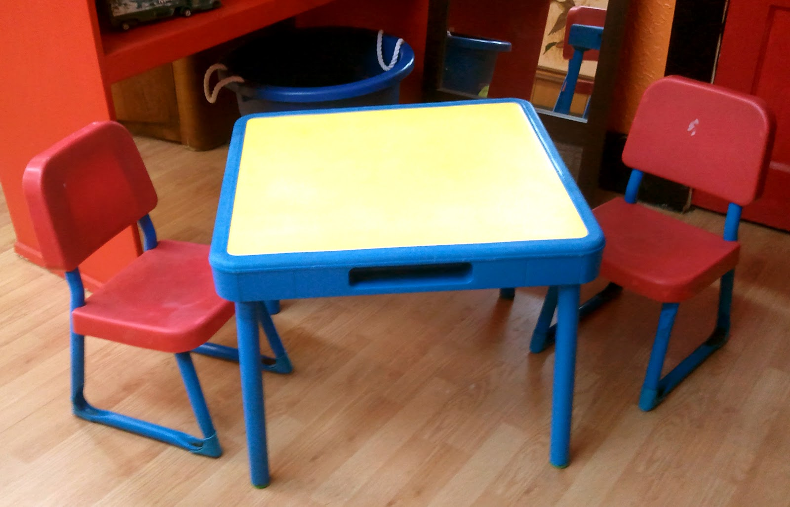Childrens Play Table Likewise Thrift Cute Little Play Table