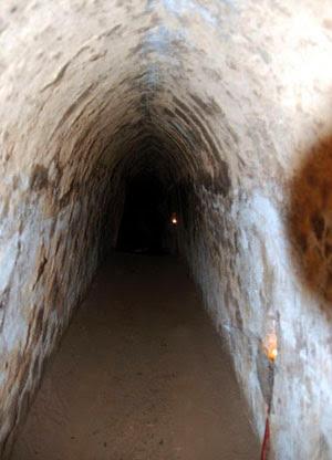 Cu Chi tunnels 8
