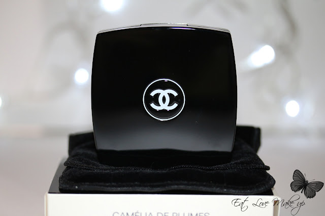 Chanel Camélia de Plumes Highlighting Powder
