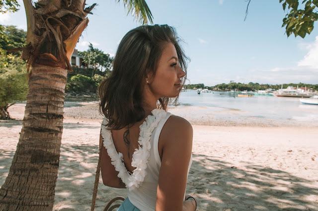 Look z niebieskimi spodniami + moje pierwsze wrażenia z Filipin na wyspie Malapascua. - Czytaj więcej