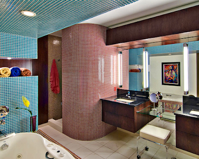15 Design Kamar Mandi Unik Agar Rumah Tampil Beda - Dekorasi Dinding Full Mozaik