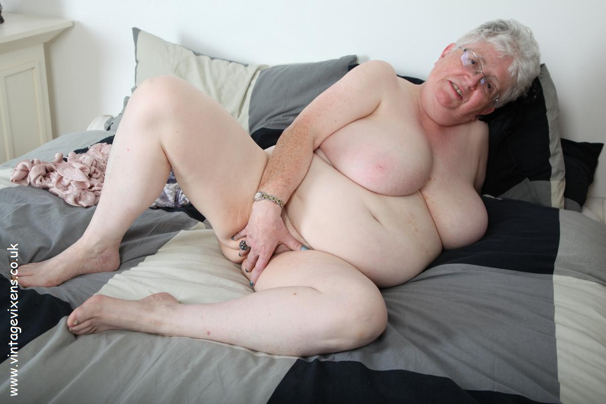 Uk mature mom with saggy tits and hairy cunt - 1 part 7