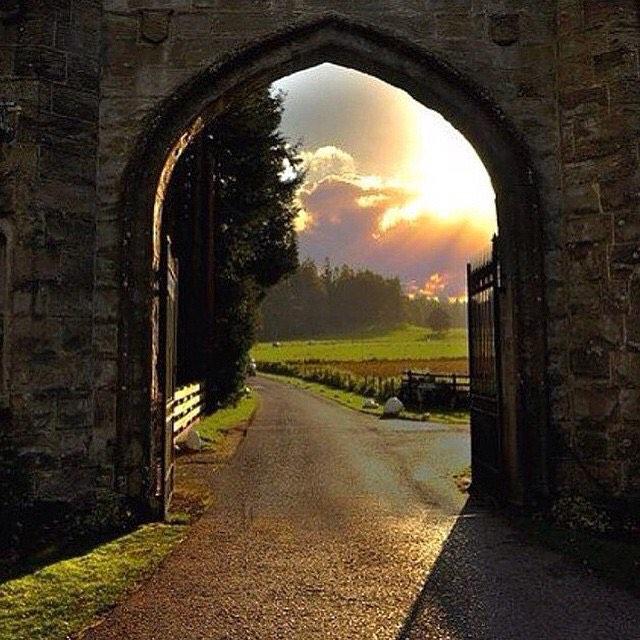 الباب الضيق