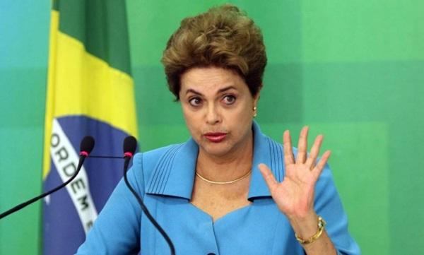 Por 55 votos a 22 Senadores aprovam impeachment e Dilma é afastada por até 180 dias