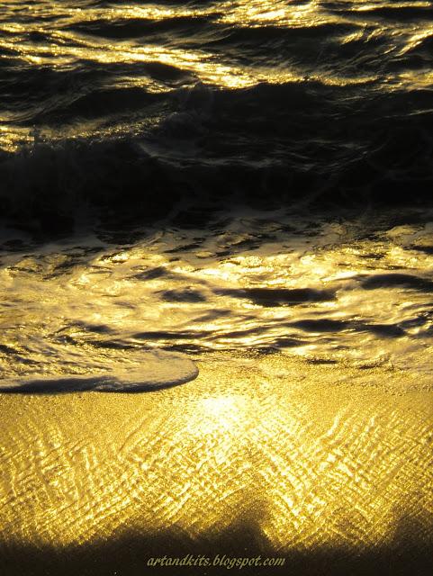 Por vezes, há palavras e músicas... preciosas, como ouro puro... / Sometimes there are some words and musics... as precious as pure gold...