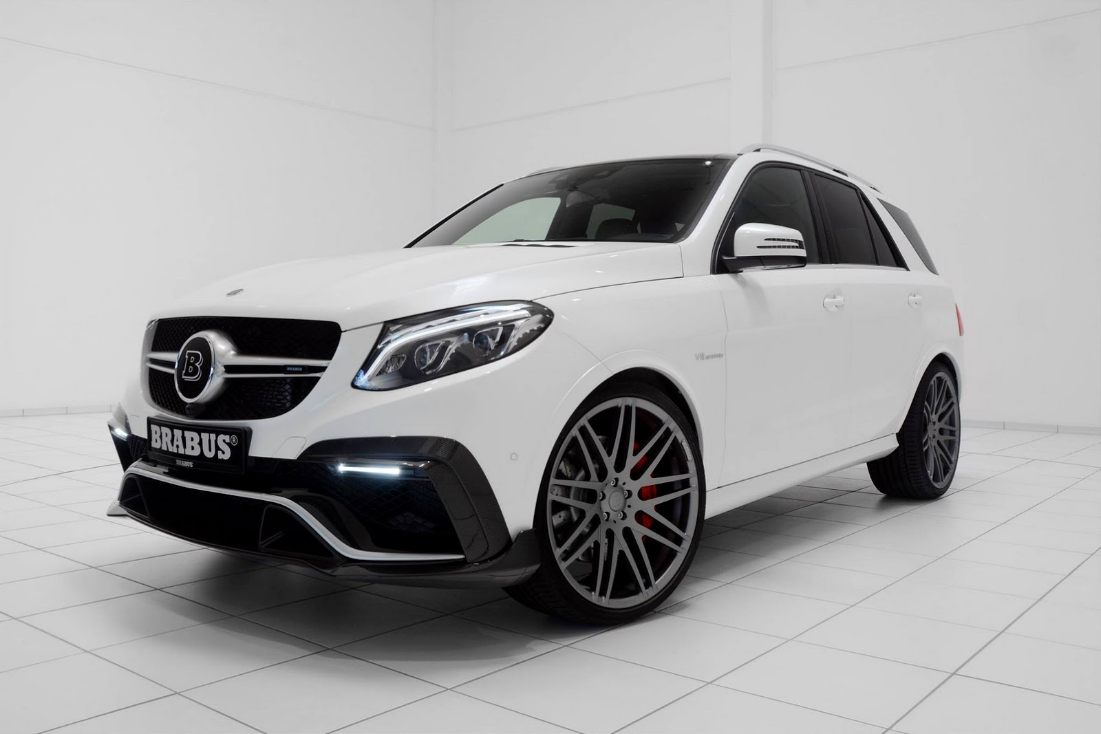 Mercedes w166 gle 63 brabus 850 6 0 benztuning for Mercedes benz 850