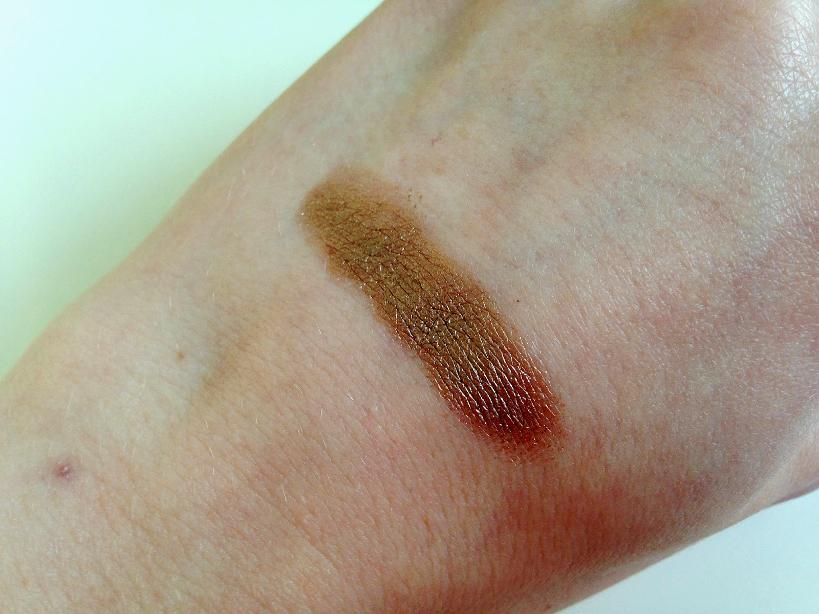 Maybelline 24hr Color Tattoo On and On Bronze Swatch