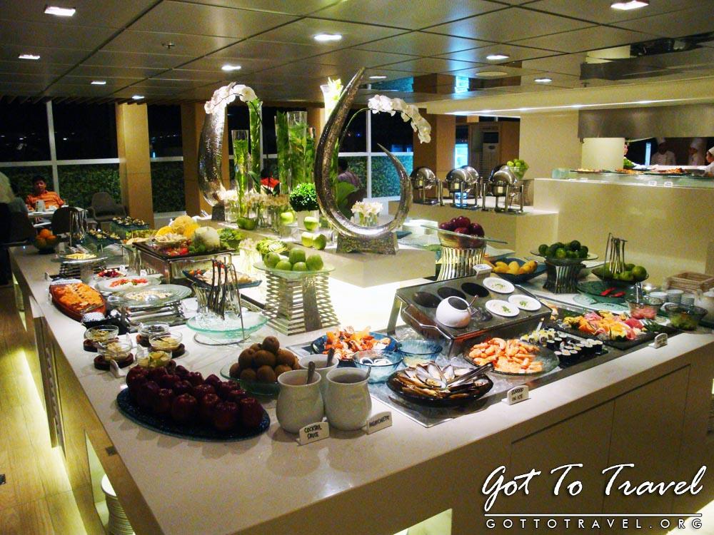 Buffet Table Design Ideas Photograph | Midas Cafe Buffet Table