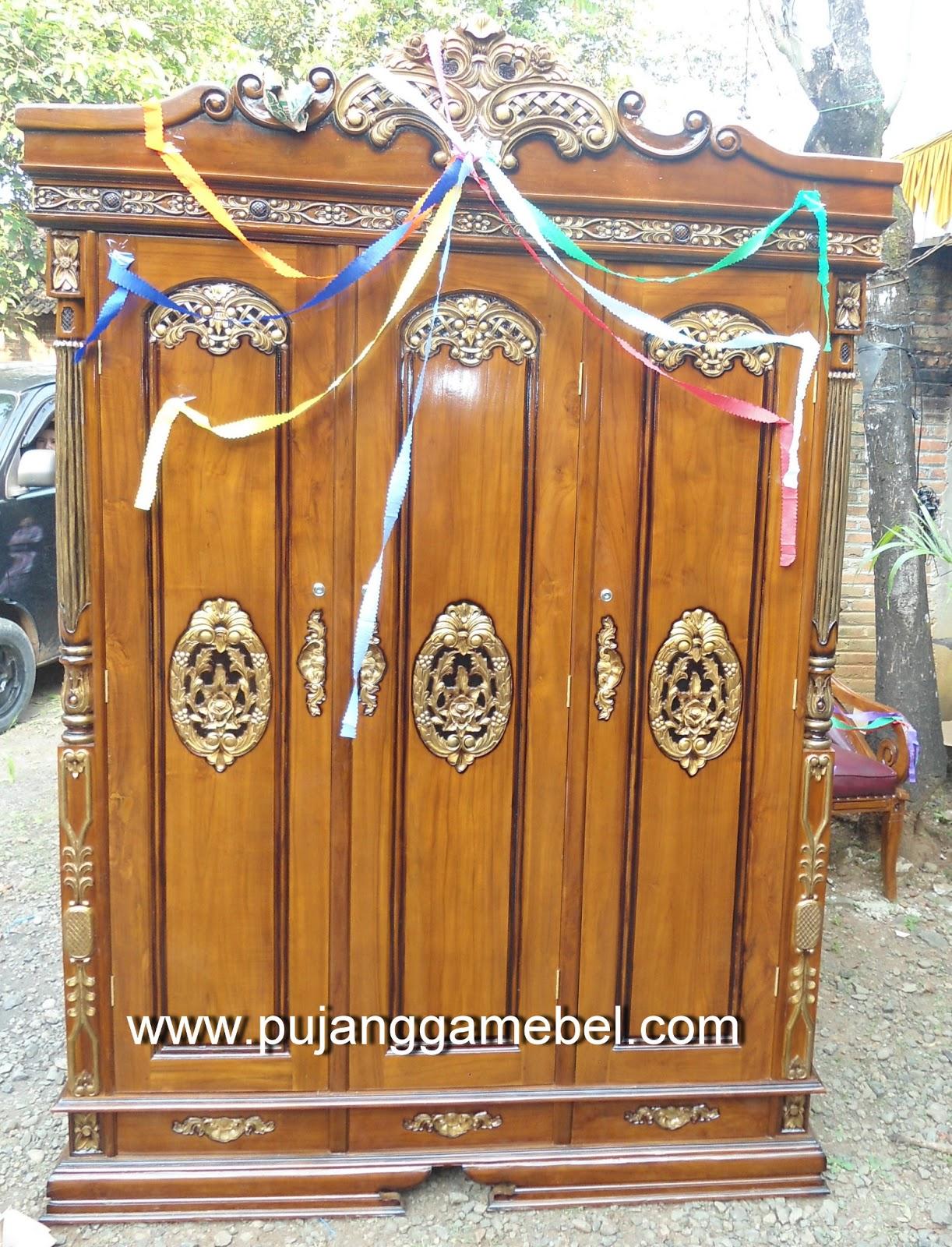 Almari pakaian 4 pintu Gebyok