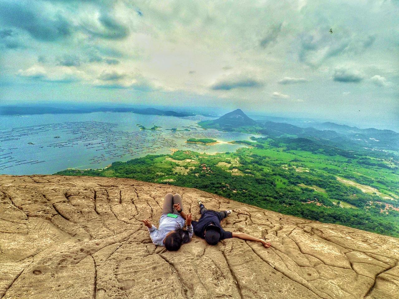 Ayo Nikmati Keindahan Alam Dari Puncak Gunung Lembu Di Kabupaten Purwakarta Travellink Indonesia