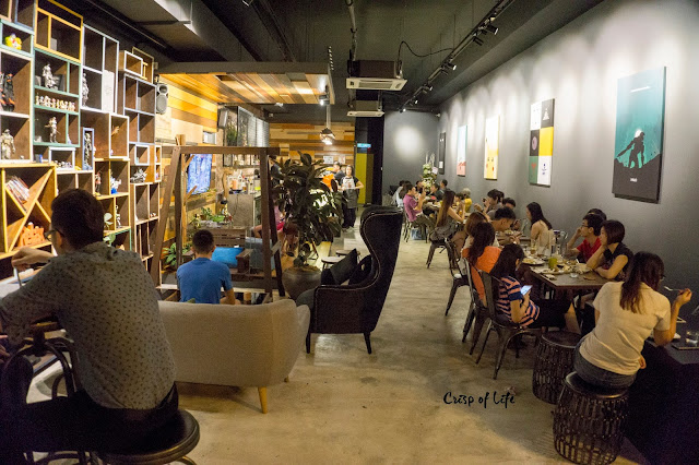 3 Leg Cat Cafe @ Golden Triangle, Relau, Penang