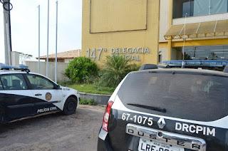 http://vnoticia.com.br/noticia/3650-bandidos-armados-tentam-estuprar-jovem-e-assaltam-mercearia-na-praia-dos-sonhos