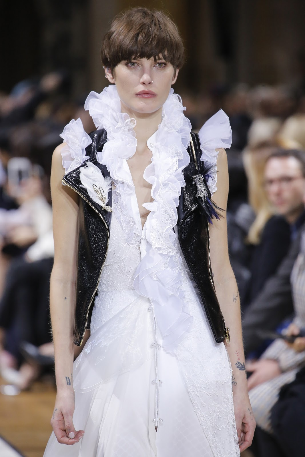 fashion-show-Lanvin-Fall-2017-Ready-to-Wear-Collection