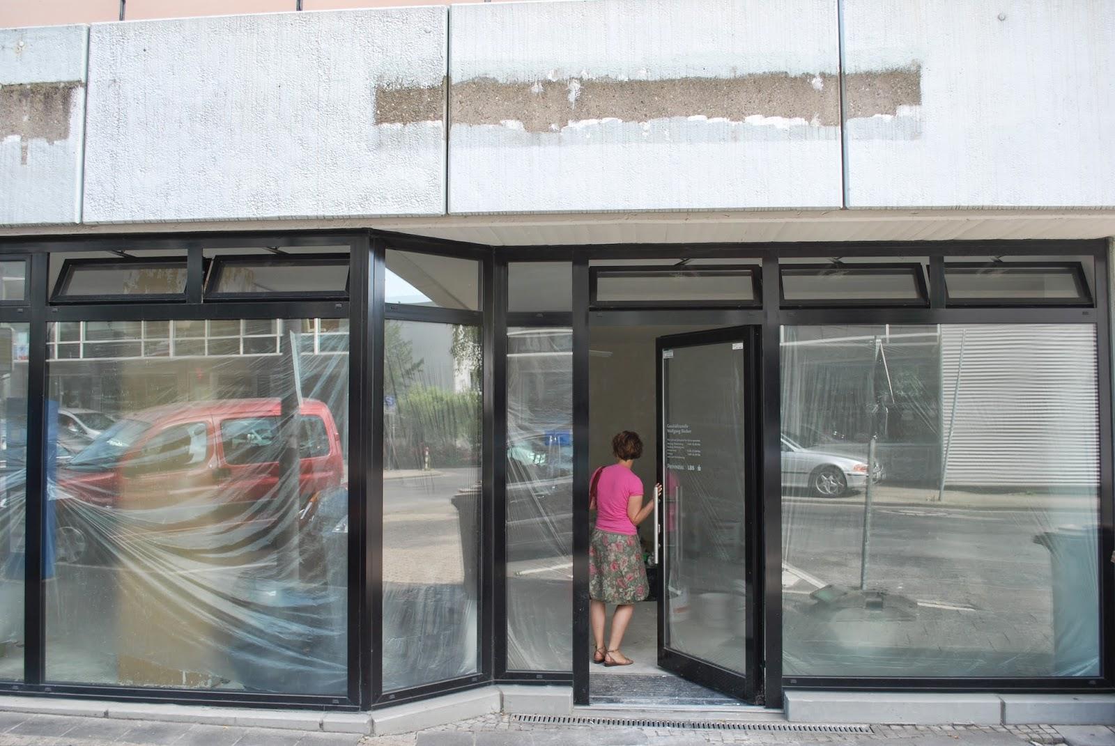 Front und Eingangsbereich vom Ladenlokal