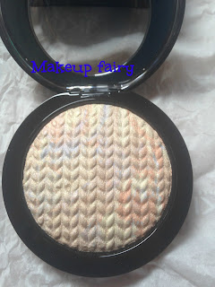 one_product_review_mac_lightscapade_highlighter